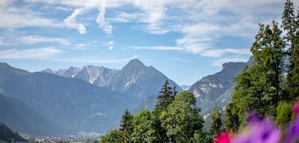 Ausblick auf die umliegende Bergwelt von Landhaus Sonnblick
